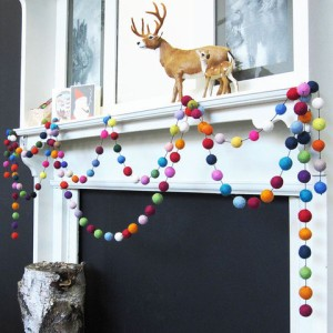 kreo-home-down-to-the-woods-pompom-garland-xmas_large